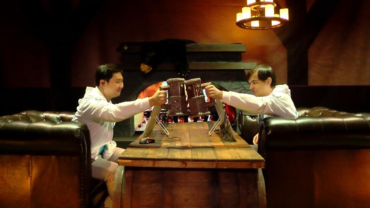 事実上の決勝戦とも言われた優勝候補同士の対決は、互いを認めている両者による乾杯で幕を開ける。