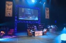 暖炉や本棚など、アンティーク調の家具に統一した見事な舞台設定の中でPhase 2が開幕。